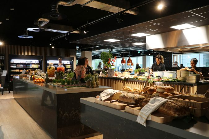 We Canteen opent food court in het Adam Smith Building in Riekerpolder (Amsterdam)